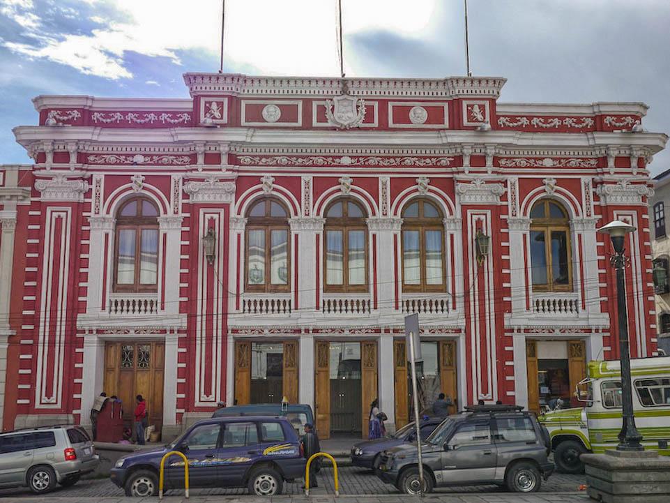 Teatro Municipal Alberto Saavedra Pérez